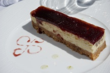 cheesecake cerise noir saint jean de luz brasserie le suisse