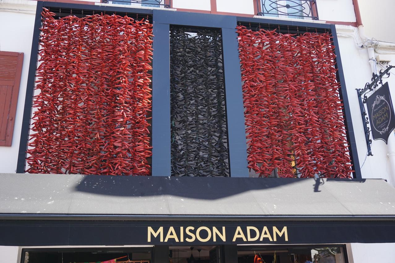 maison adam facade st jean de luz