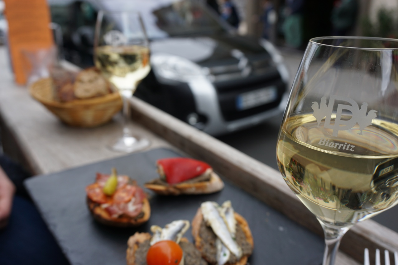 puig and daro vin blanc biarrtiz
